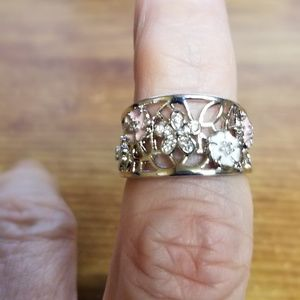 Incredible Charming Hollow out Flower Ring Sz 6